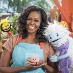 """Michelle Obama llegará a los niños de la mano de """"Mochi"""""""